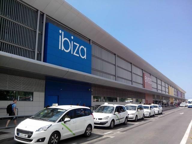 De táxi até o centro de Ibiza