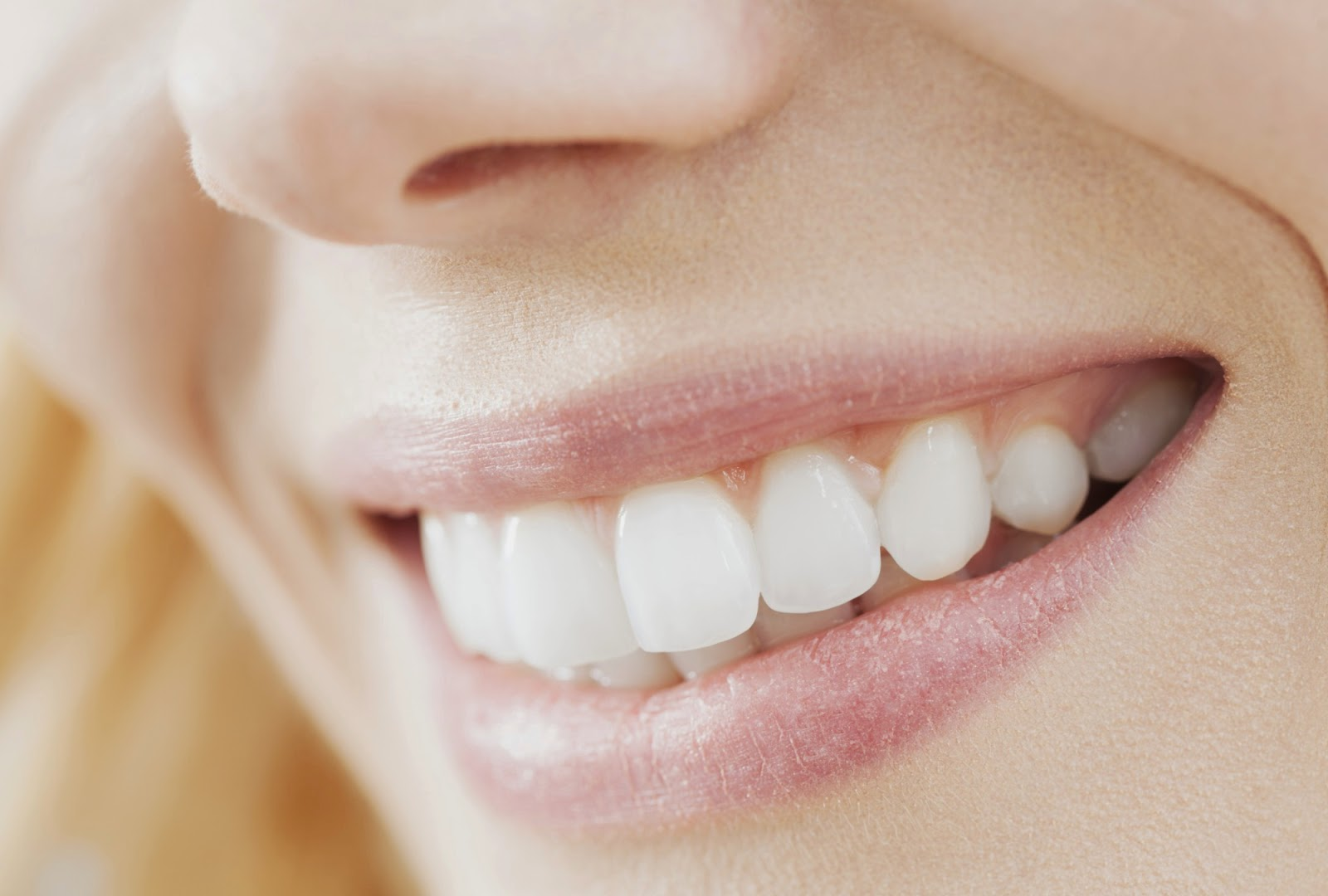 Natural Ways To Whiten Teeth Fast At Home
