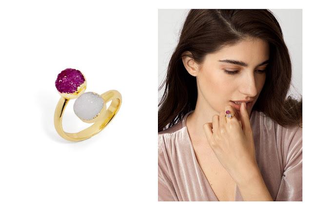 Крупное кольцо с фиолетовым камнем