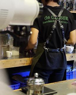 pramusaji de CLASSE Gelato & Coffee cafe hits di Blitar