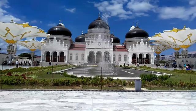 Mesjid Raya Baiturrahman Nanggroe Aceh Darussalam - Raimondwell.com
