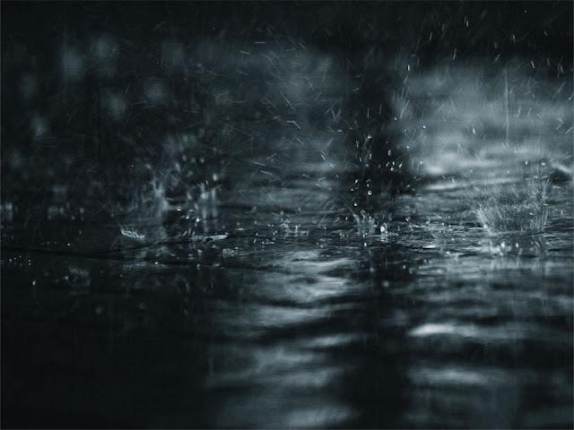 Hujan di malam minggu rainy day