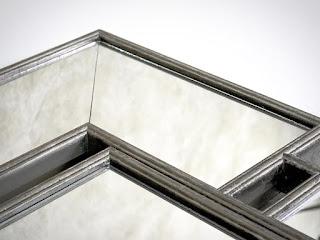 Stříbrné velké zrcadlo na stěnu.