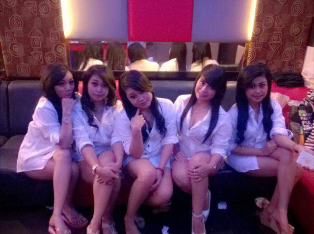 balikpapan single asian girls Foursquare helps you find the perfect places to go with friends discover the best food, nightlife, and entertainment in your area.