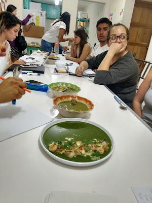 Se compararon las dos versiones de Verde Tabasqueño: la tradicional y la innovadora aplicando la fórmula obtenida. Los resultados fueron evaluados para su comparación.