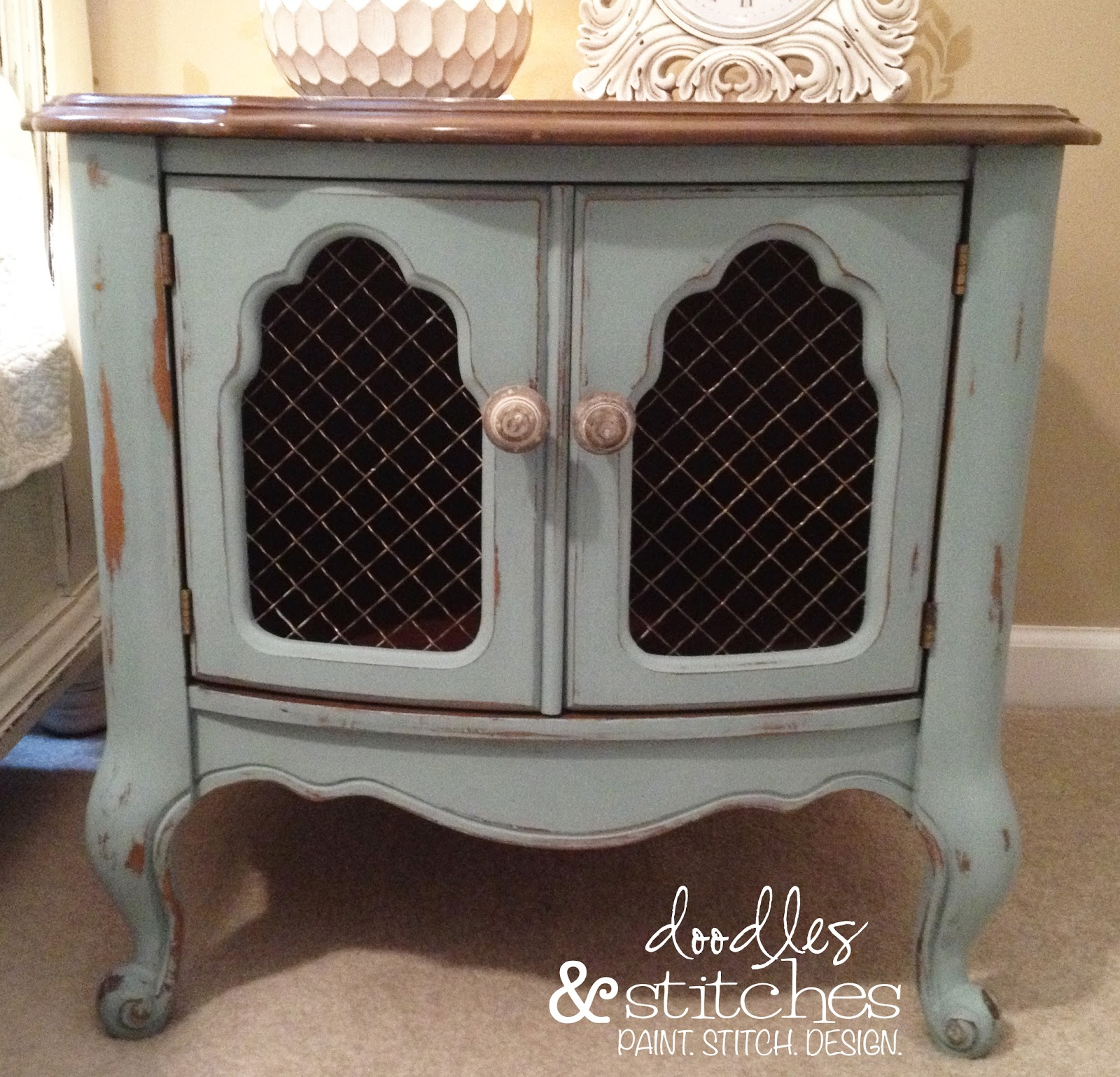 Chicken Wire Nightstand - Doodles & Stitches