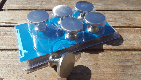 Using knobs as legs for upcycling projects