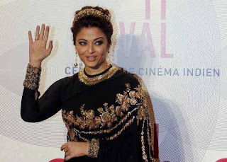 Aishwarya Rai arrives at the Cannes Gala