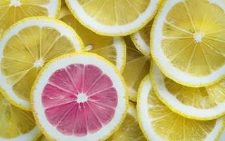 https://pixabay.com/photos/lemon-citrus-fruit-juicy-acid-3303842/
