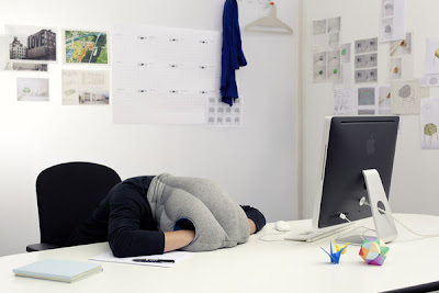 Best Gadgets For Frequent Fliers - Ostrich Pillow
