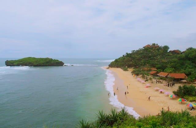Pantai sadranan sebenarnya ada di mana