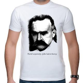 """Koszulka Piłsudski: """"Naród wspaniały tylko ludzie kurwy"""""""