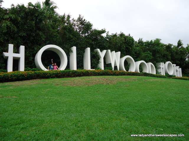 Garden at Hollywood Hotel DisneyLand Hongkong