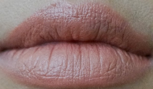 Lip Swatch: Cover Girl Lip Perfection Lipstick in 255 Delish