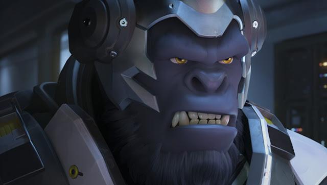 Un streamer juega a Overwatch con Winston con plátanos
