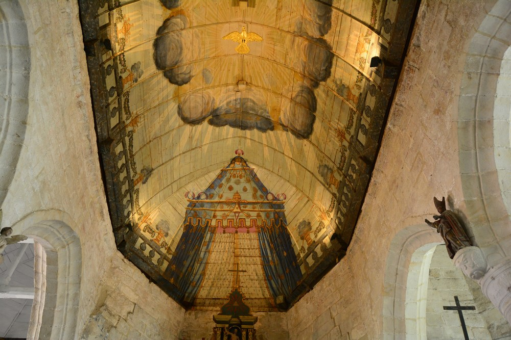 la belle voûte en bois de l'église Saint-Martin date du XVIème siècle