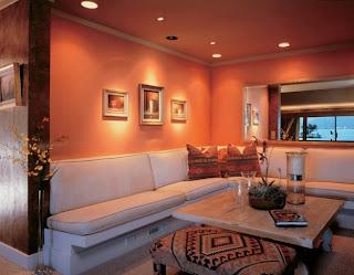 sala paredes color naranja