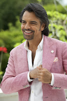 Eugenio Derbez in How to be a Latin Lover (32)