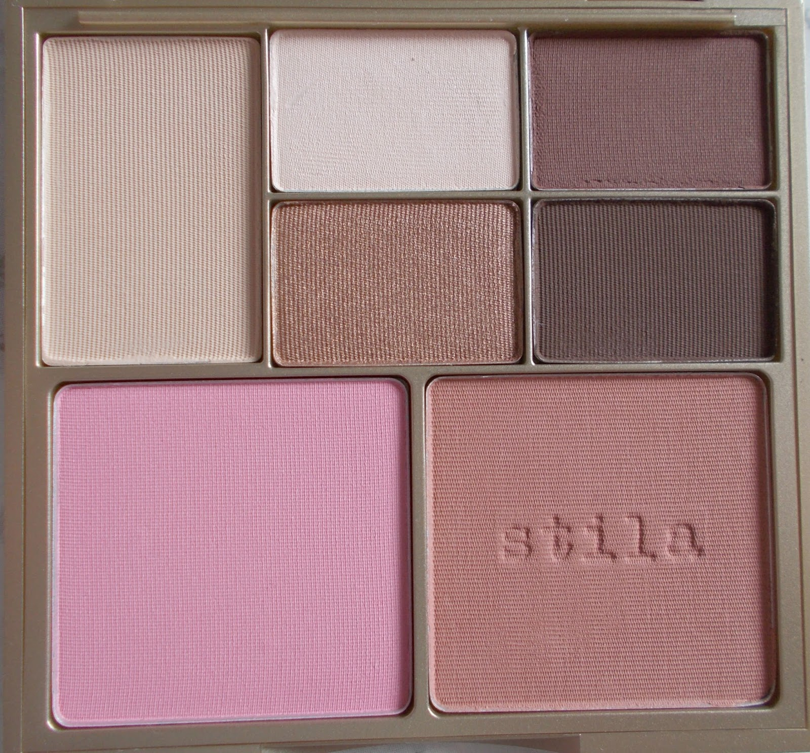 Stila Perfect Me Perfect Hue palette review close up