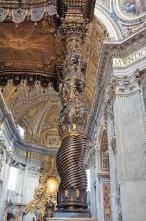 サン・ピエトロ大聖堂の大天蓋、支柱