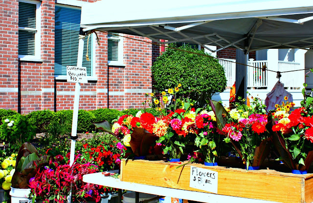 Vibrant fresh flowers at the Kenosha Harbormarket