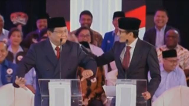 Debat dengan Jokowi Memanas, Prabowo Joget Lalu Pundaknya Dipijat Sandi