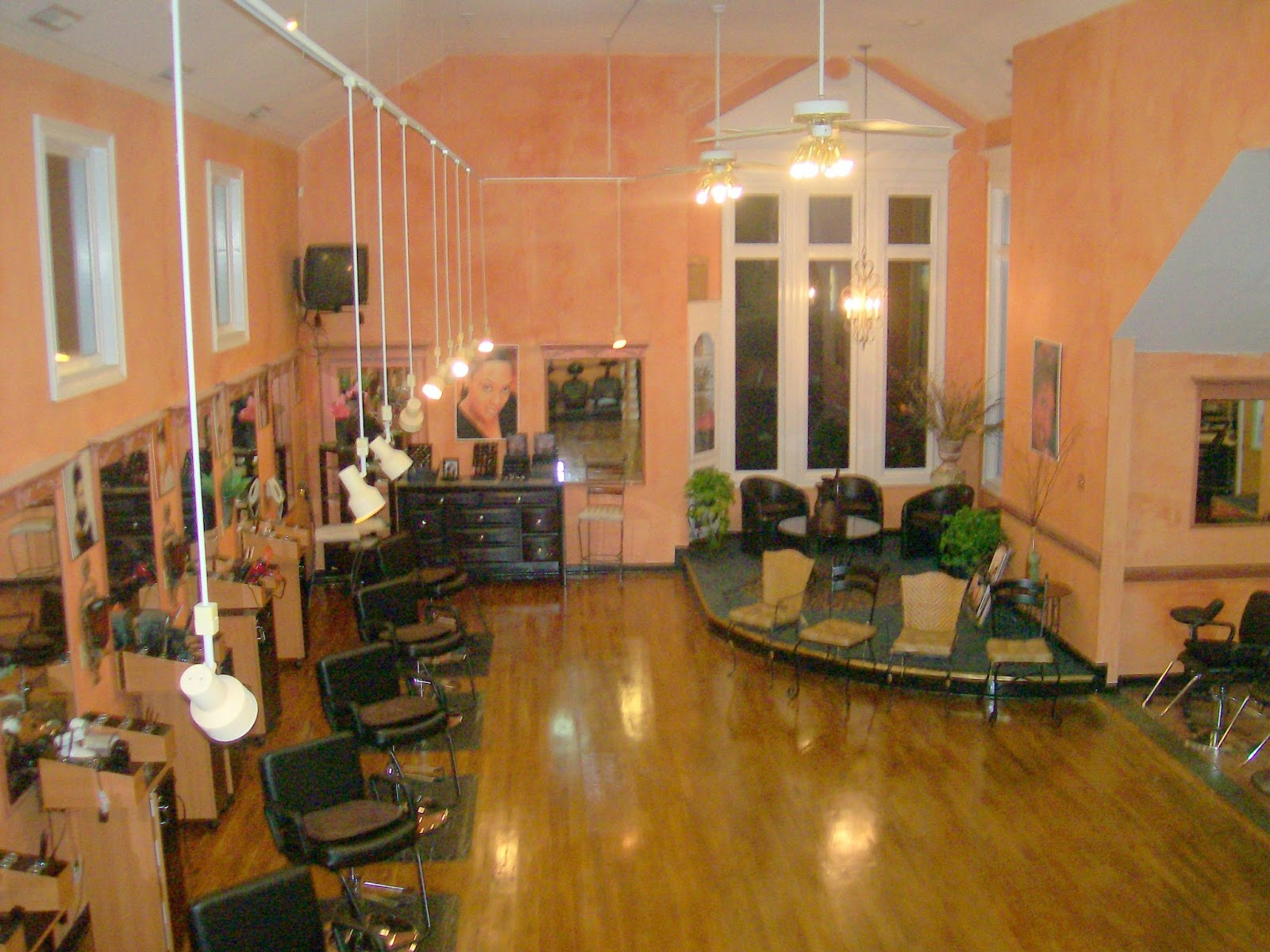 What's New At Donjanelle: Salon... Booth Rental Or Commission?