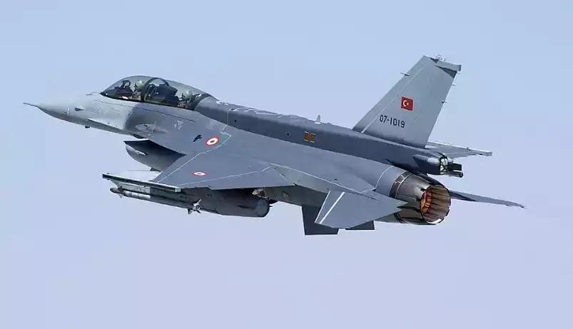 Υπερπτήση τουρκικών F-16 στον Έβρο στα 500 μόλις πόδια