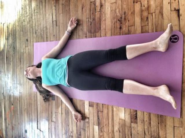 Thảm tập Yoga bẩn mối nguy hiểm khung khiếp mà bạn không thể ngờ
