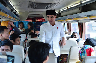 Ketika Presiden Sapa Pemudik di Terminal Baranangsiang Bogor
