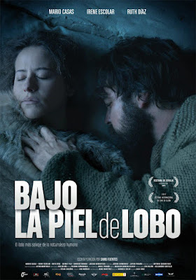 Bajo La Piel De Lobo [Spanish]