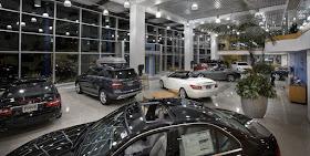 Image Attribute: Inside a car showroom / Source: Mercedes-Benz of Encino/Flickr