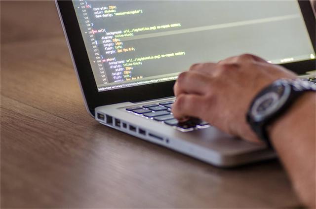 5 Alasan Mahasiswa IT Harus Ikut Kursus Programming - Laptop Programming