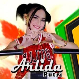 Download Lagu Tik Tok Terbaru Arlida Putri - Lagi Manja