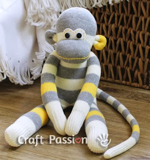 http://translate.googleusercontent.com/translate_c?depth=1&hl=es&rurl=translate.google.es&sl=auto&tl=es&u=http://www.craftpassion.com/2012/04/how-to-sew-sock-monkey.html/2&usg=ALkJrhgk3EpvDAewogWZTbfYlvaHzfVTXA