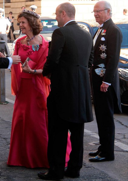 Queen Silvia, Crown Princess Victoria at wedding of Astrid Bernadotte. Princess Victoria wore Jenny Packham dress. Princess Sofia's pre-wedding dinner. Tod's flats ballerinas. Diamond Tiara