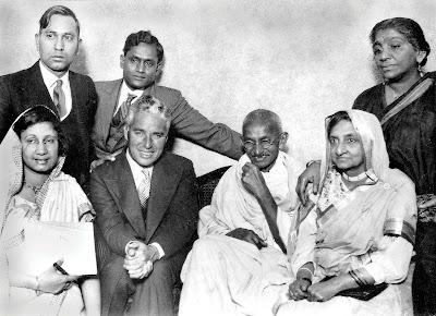 Чарли Чаплин и Махатма Ганди, Лондон, 1931 г.