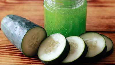 cucumber-eye-gel تعرفي على طريقة منزلية لعمل جل مرطب للعين