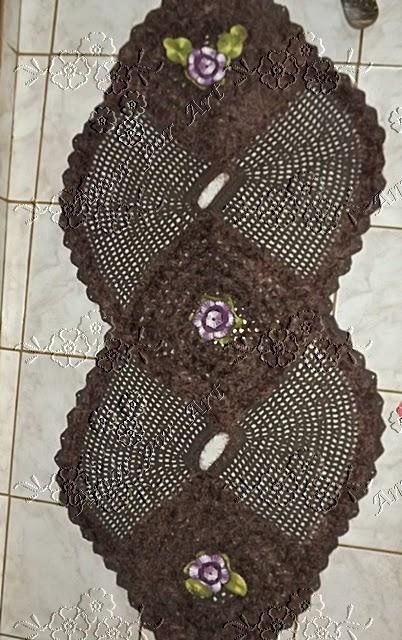 Tapete ou passadeira de crochê em formato de oito com gráfico 35fb54c1ab6