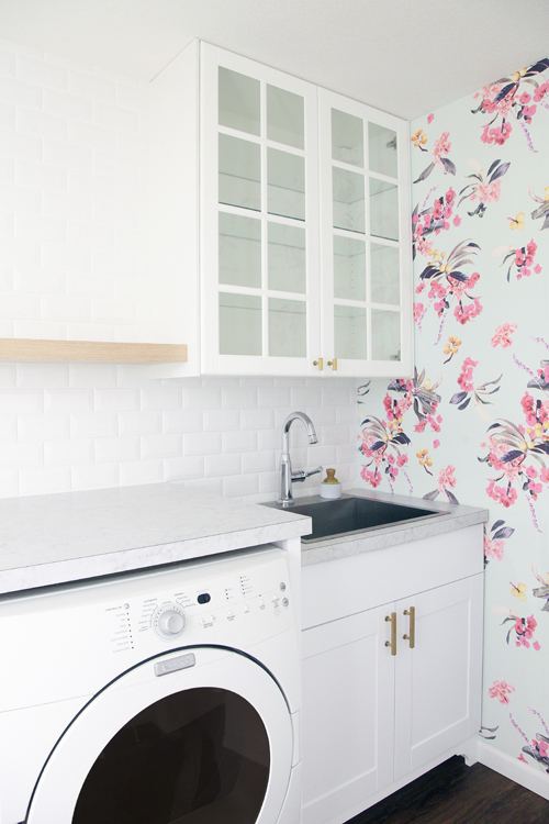 Laundry Room Wallpaper Amazing Iheart Organizing Laundry Room Checkin Tile And Wallpaper Sneak Decorating Inspiration