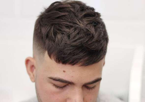 12 Model Potongan Rambut Pendek Pria Ngetrend Untuk Kerja ...