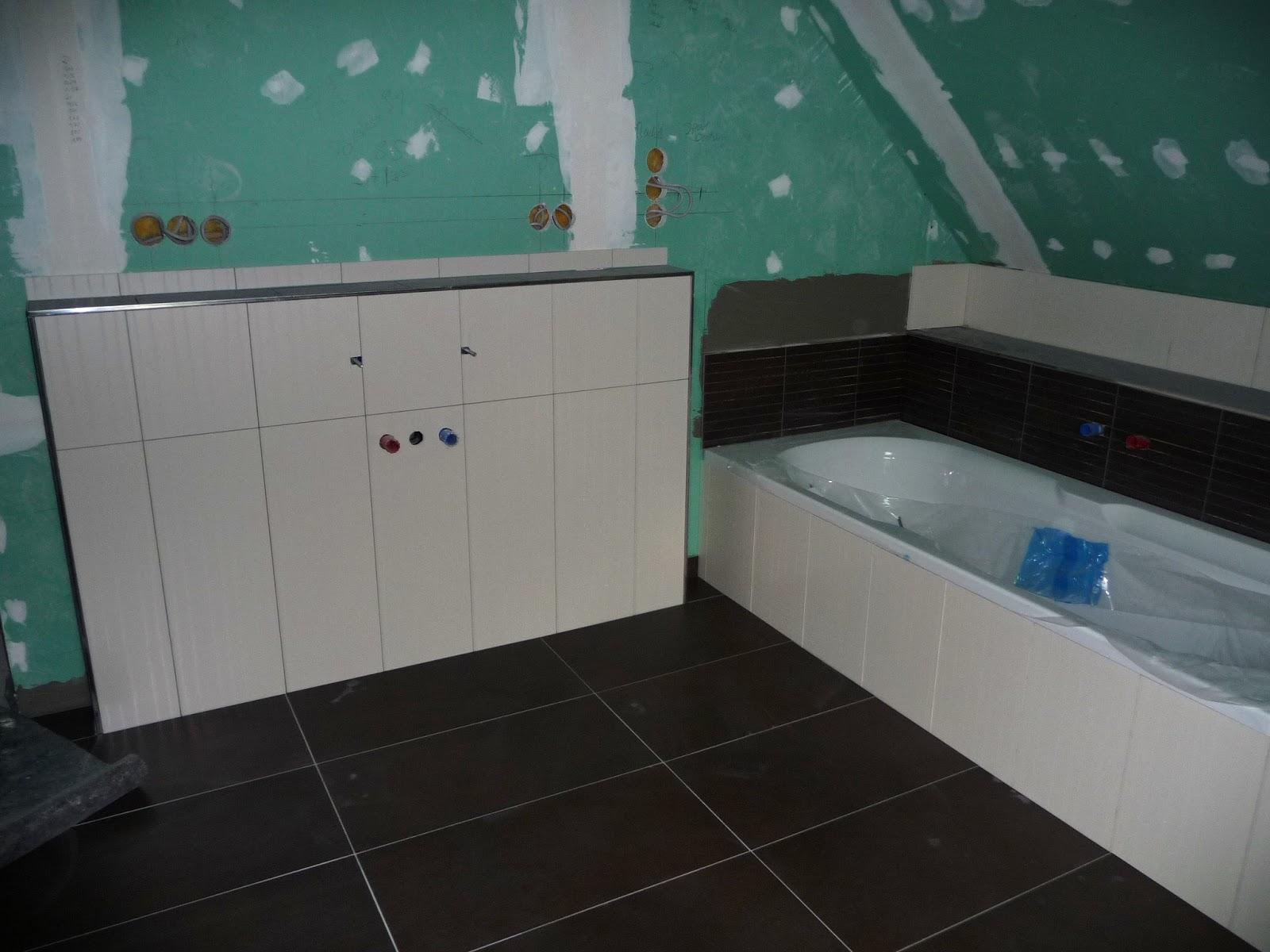 Badezimmer Deckenhoch Fliesen | Was Ist Ein Duschbad Ein ...
