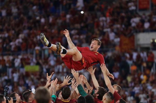 Totti sebagai direktur roma