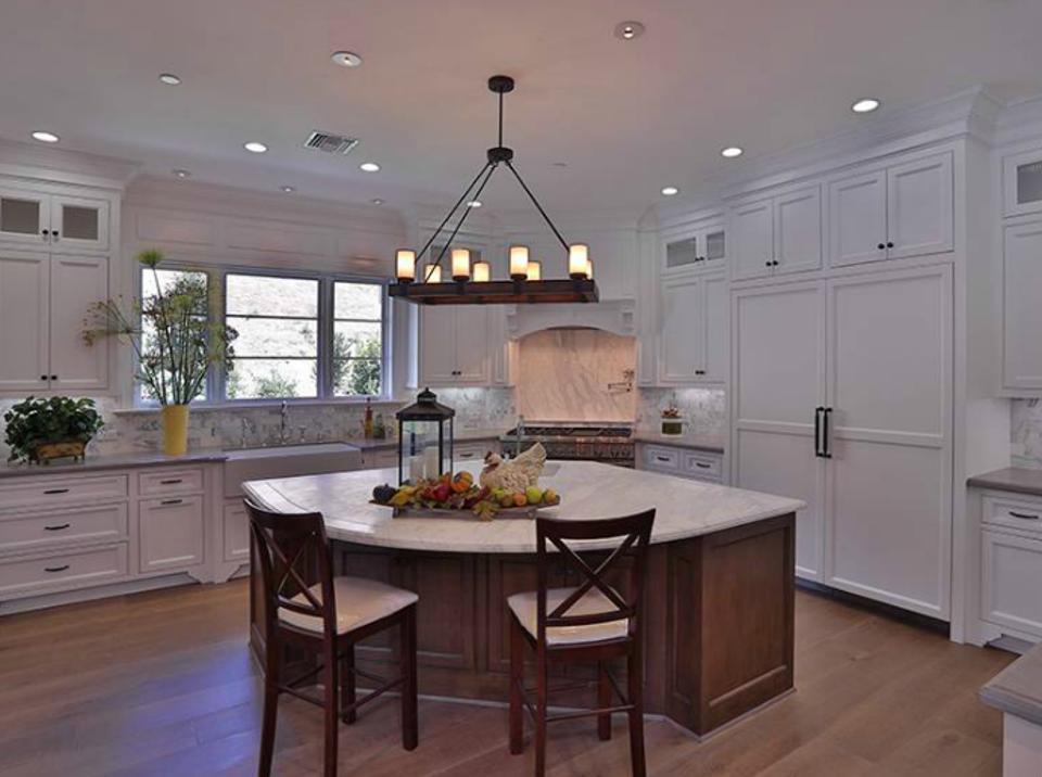 Celebrity Homes Ina Gartenu0027s Apartment U0026 Why Sheu0027s ...