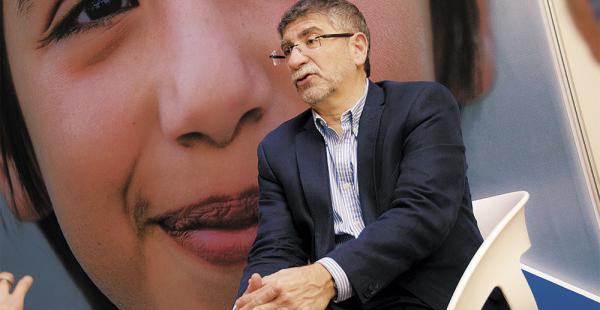 IMPRESIONANTE Doctor Daniel Ciriano asegura tener la curar del cáncer