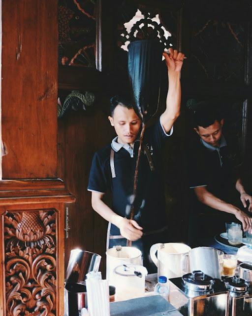atraksi barista lokal di kopi selasar