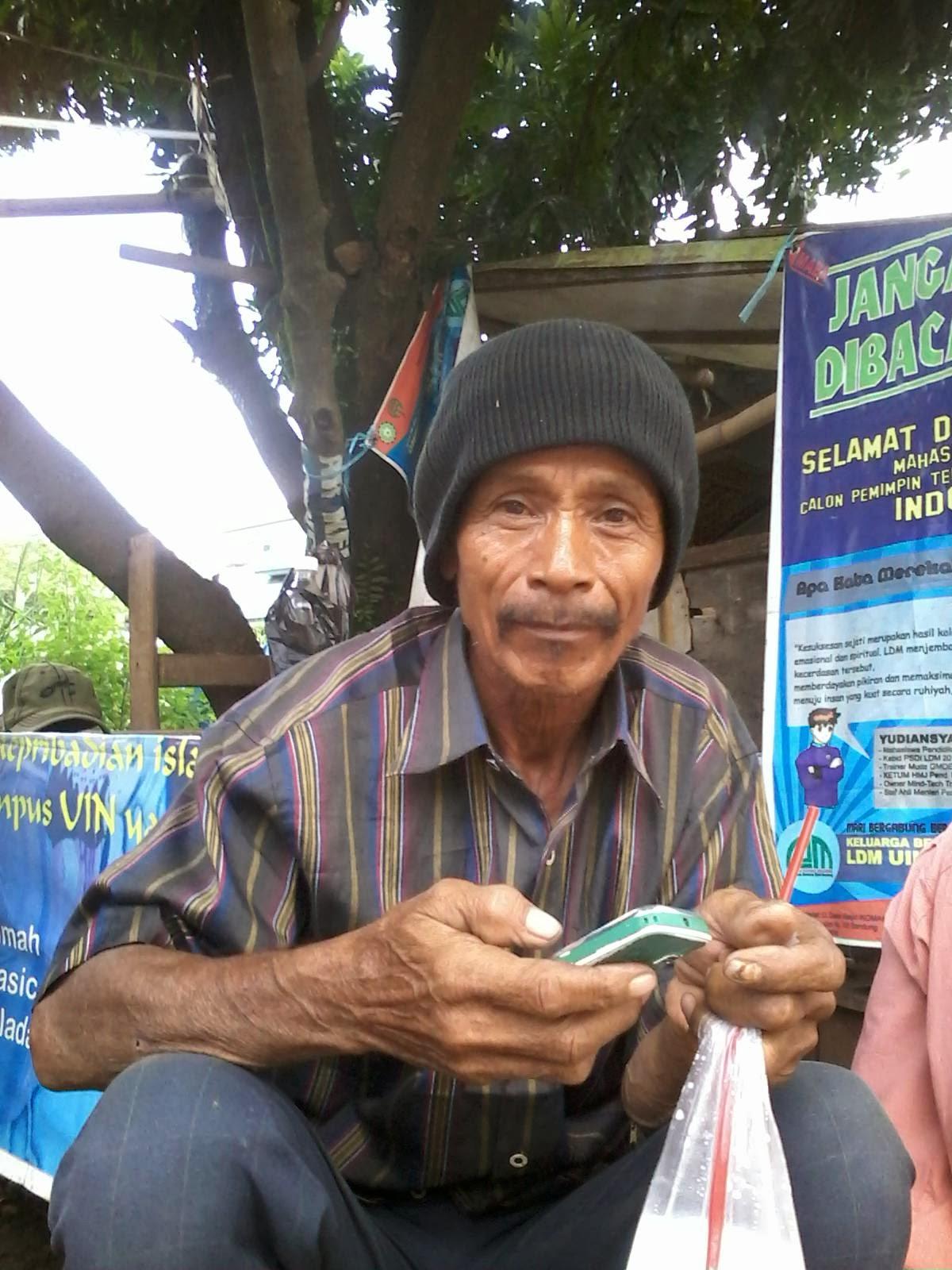 Anglipki Kaladana Contoh Feature Human Interest