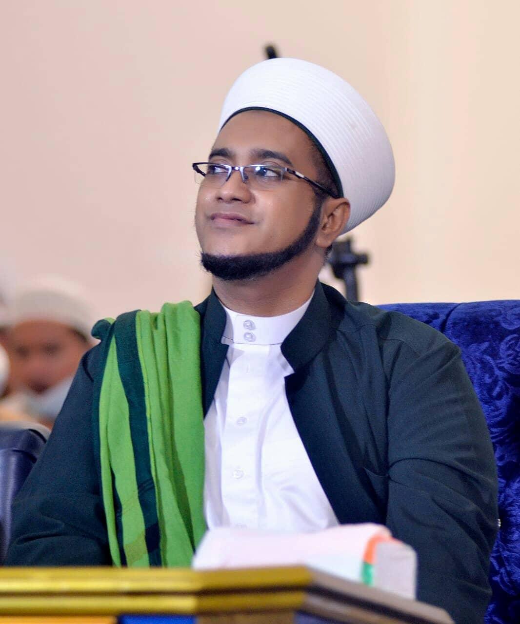 Download Wallpaper Habib Hasan 2702211