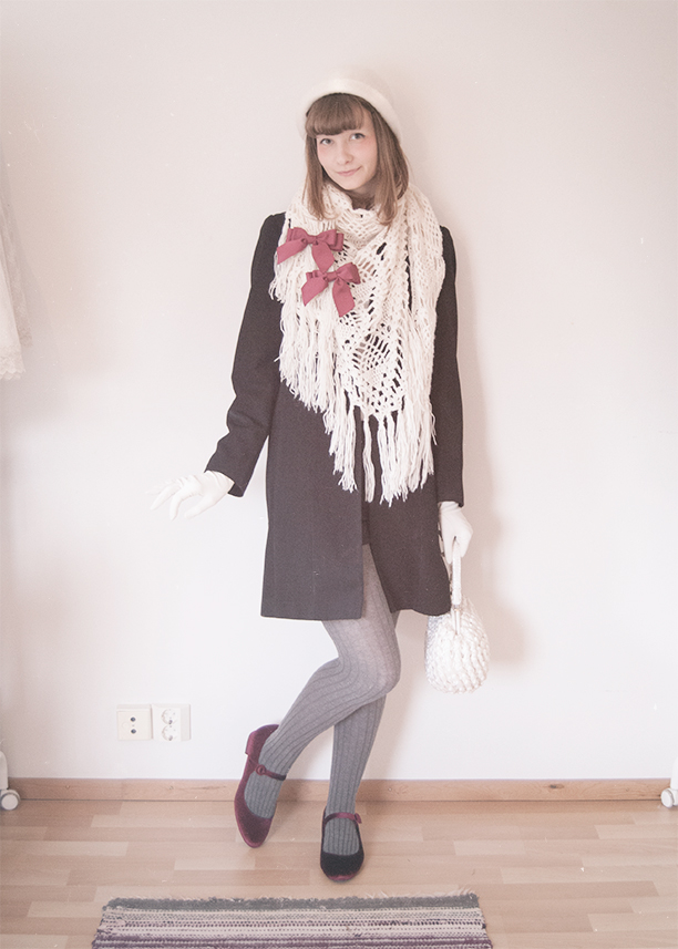outfit of a girl dressed in a cute vintage-inspired cool autumn look.