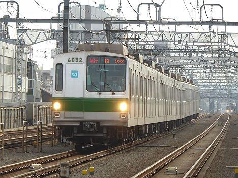小田急電鉄 東京メトロ千代田線直通 急行 柏行き1 東京メトロ6000系